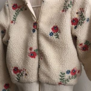 Urban outfitters adorable puff jacket